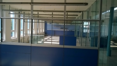 Büromöbel & Trennwand Montage